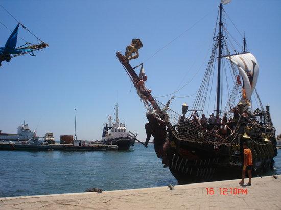 bateau pirate, marina sousse
