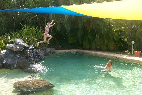 Port Douglas Plantation Resort: No jumping allowed