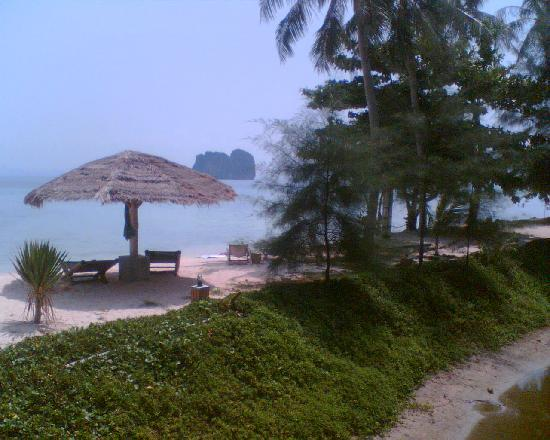 CoCo Cottage Koh Ngai : Beach again