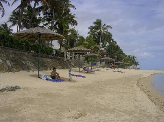 Outrigger Fiji Beach Resort: the beach at Outrigger