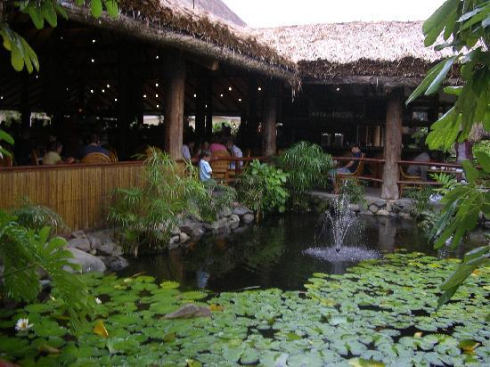 Outrigger Fiji Beach Resort: fish pond outside main restaurant
