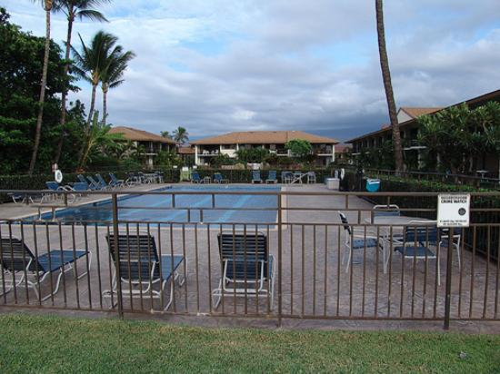 Waiohuli Beach Hale: Pool area