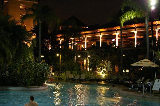 Loews Royal Pacific Hotel At Universal Orlando