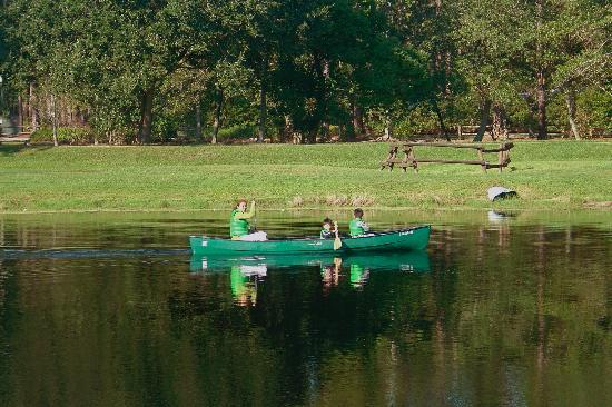 The Campsites at Disney's Fort Wilderness Resort : Canoeing -- a hit with the kids