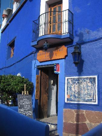 La Casa Azul: Entrance