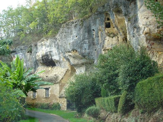 Dordogne, France: LesEyzies backroads 2