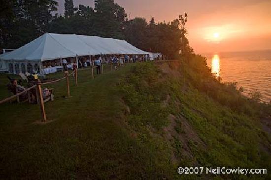 The Cliffs at Sodus Point: Wedding tent