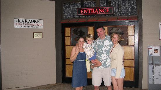 Kobe' Japanese Steak House : Happy customers