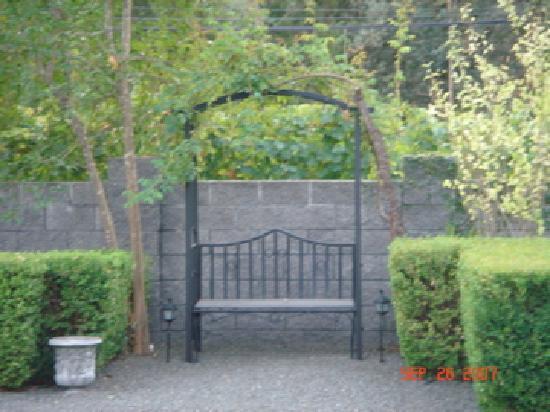 Outdoor Garden at Chateau de Vie