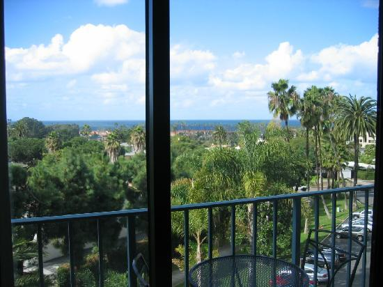 Hotel La Jolla, Curio Collection by Hilton: This is the view from the hotel, 6th floor Room 602