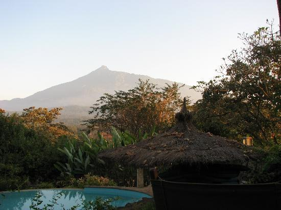 Kigongoni Lodge: Mount Meru from the terrasse