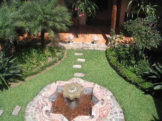 Posada de Los Leones: Courtyard Fountain