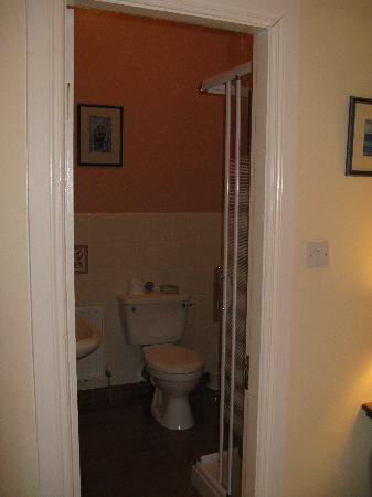 Sea Mist House: Room 3 - bath