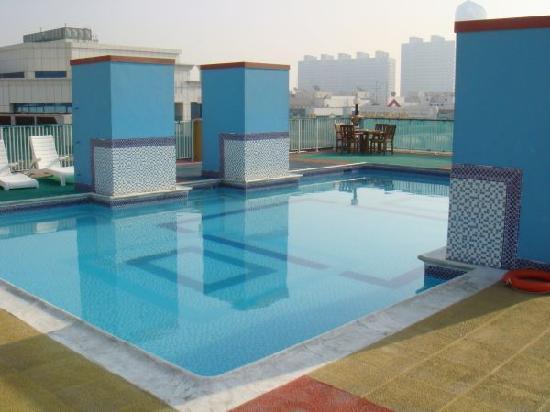 Livingroom. - Picture of Golden Sands Hotel Apartments ...