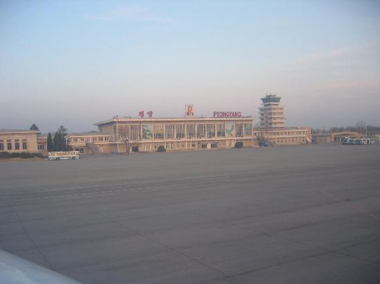 Pothonggang Hotel: Pyong Yang Airport