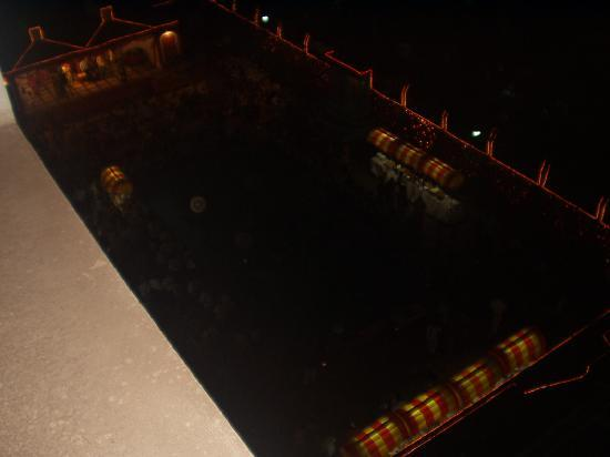 Dolphin Hotel: The Dolphin Pool at Night