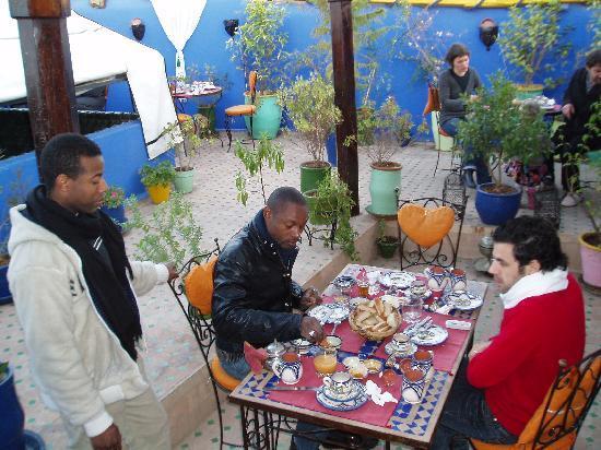 Dar Toubib: petit dèj en terrasse