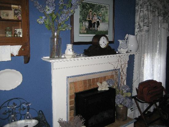 Piney Hill Bed & Breakfast: Beautifully decorated room