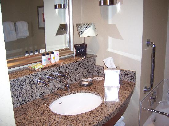 Renaissance Las Vegas Hotel: Ren Hotel 1