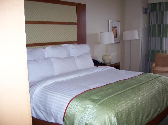 Renaissance Las Vegas Hotel: Ren Hotel 2