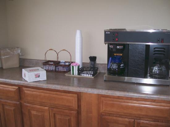 Motel 6 Pigeon Forge - Dollywood Lane : Their Continental Breakfast