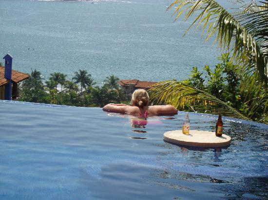 Hotel Cinco Sentidos: Main Hotel Pool