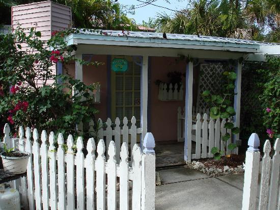 Captiva Island Inn Bed & Breakfast: Our Cottage