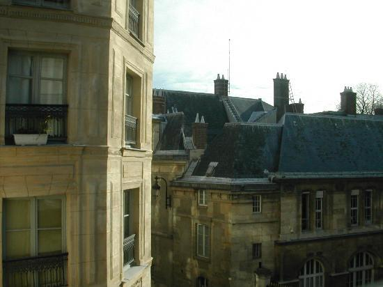 Hotel Luxembourg Parc : View from Room 35 over Rue Servandoni
