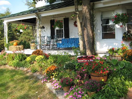 Farm by the River Bed and Breakfast with Stables : The Farmhouse