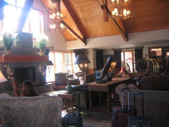 The Hotel Telluride: Hotel Lobby