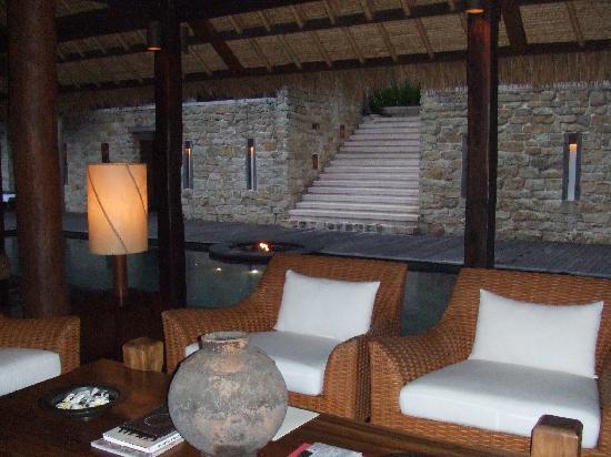 COMO Shambhala Estate : outdoor living room at Tejasara (main quarters)