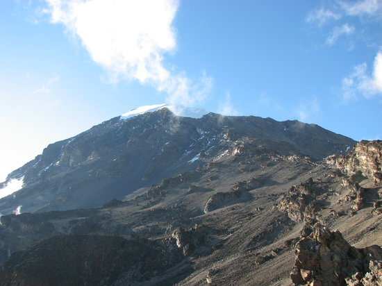Monte Kilimanjaro: Kibo from Barafu Camp (4600m)... this is where we are going tonight !!
