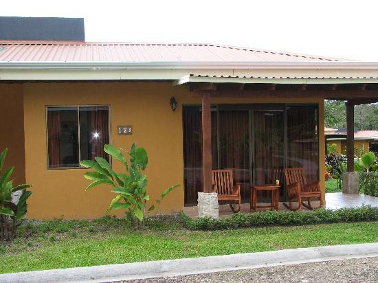 Arenal Manoa Hotel: outside view