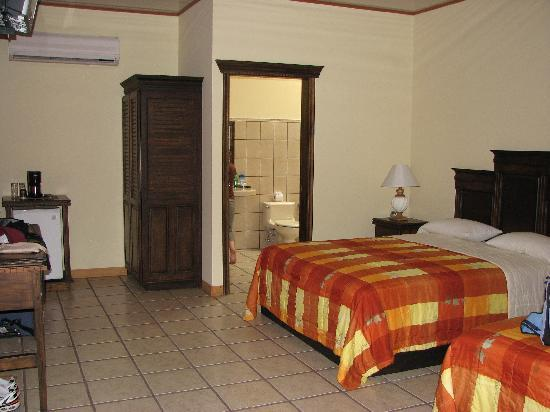 Arenal Manoa Hotel: inside view