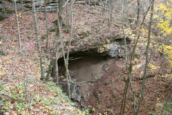 Cordell Hull Birthplace and Museum State Park: Cordell Hull State Historic Site- moonshine cave