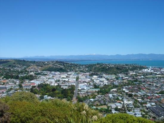 Rutherford Hotel Nelson: Looking down on Nelson from the centre of NZ.