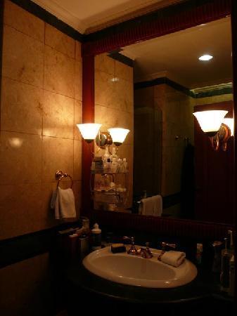 Somerset Grand Citra: Luxury bathroom