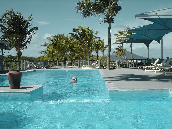 Nisbet Plantation Beach Club: no crowds at the pool