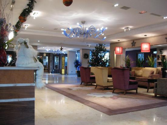 Westport Plaza Hotel: Lobby area