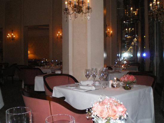 Belmond Copacabana Palace: Partial view of the Hotel Cipriani Restaurant at the Copacabana Palace.