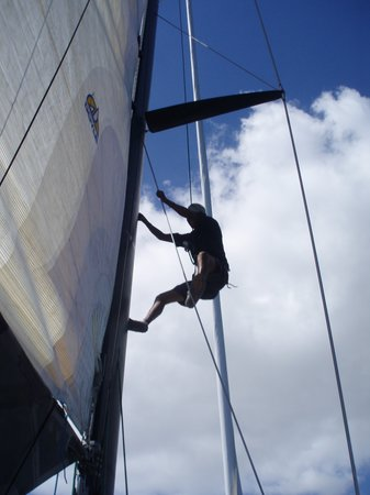 Cabo Adventures : climbing up the mast