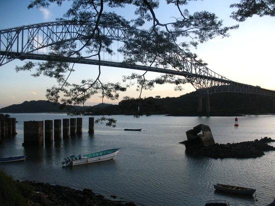 Panama City, Panama: puente de las americas