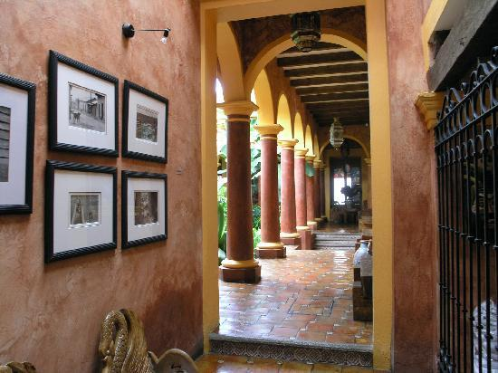 Hotel picture of hotel casa mexicana san cristobal de for Hotel casa de los azulejos tripadvisor