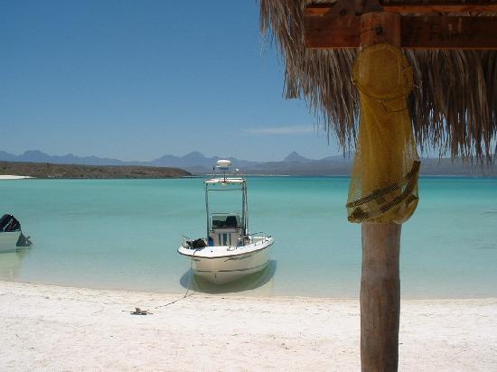Coco Cabanas Loreto: Coronado Beach 5 Miles from Loreto
