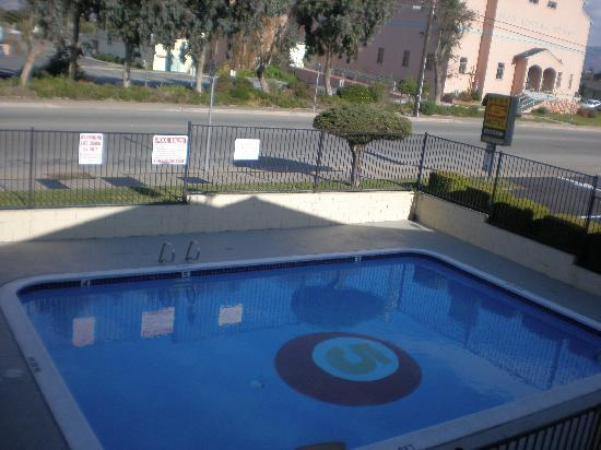 Best 5 Motel: Pool