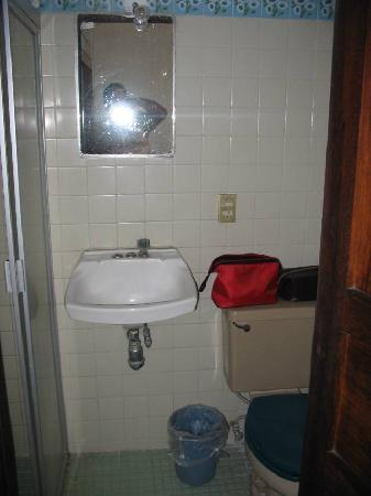 Hotel Villa Del Mar: Bathroom