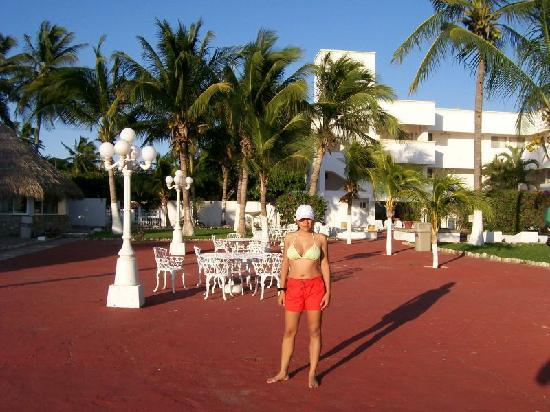 Puerto Arista, Μεξικό: Pic of the Hotel with my wife