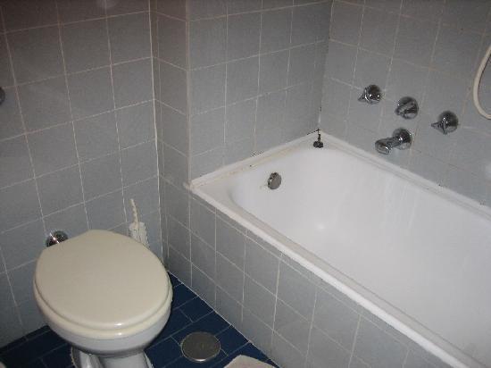 Canova Hotel: Baño