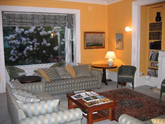 Orari Bed & Breakfast: Living room