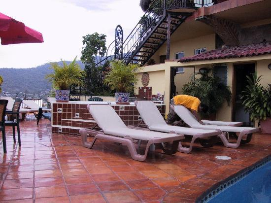 Casa Isabel: pool deck 2